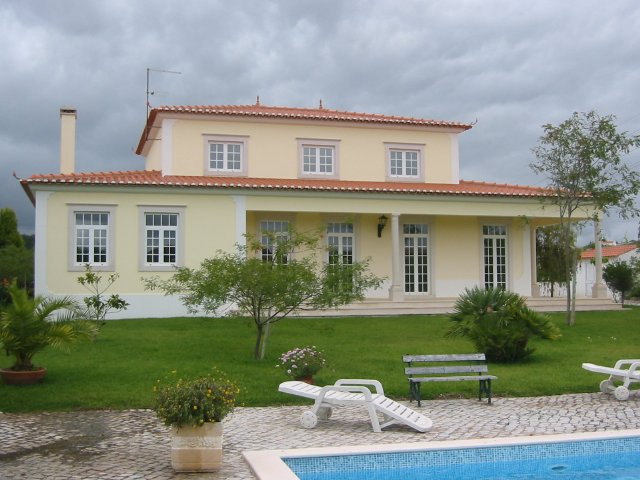 Obidos - Imobiliário - Vendas -  Moradias - Large villa in pleasant, countryside setting - ID 5832