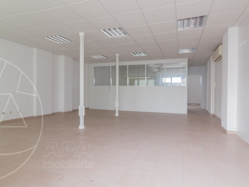 Shop for sale in Loule sma10698