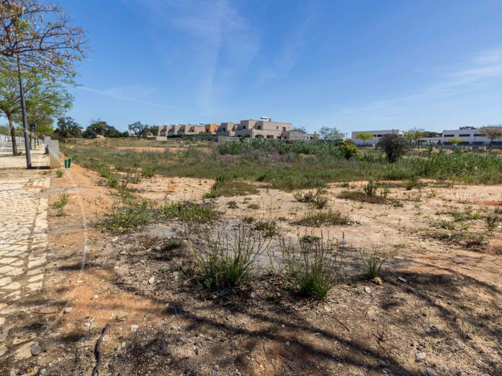 Land for sale in Quarteira sma10706