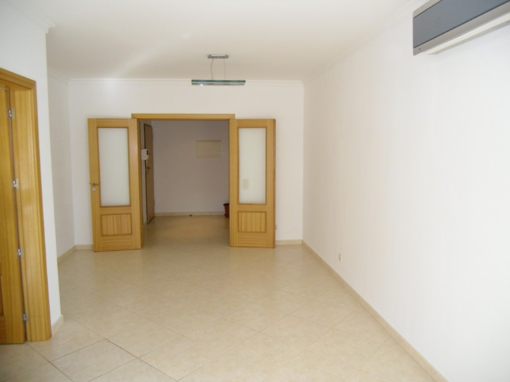 Apartment_for_sale_in_Vale da Amoreira (Sé)_sma10849