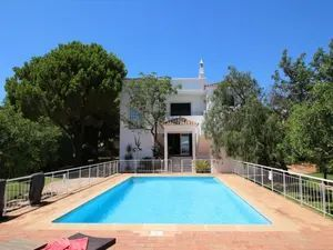 House_for_sale_in_Santa Bárbara de Nexe_SMA11629