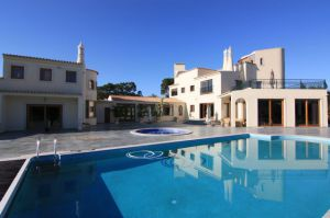 Golf Property for sale in Vilamoura ema12095