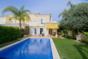 Moradia_for_sale_in_Vale_do_Lobo_EMA12911