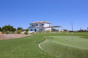 Villa for sale in Vale do Lobo ema12928