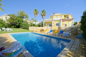 Villa for sale in Vilamoura ema12946