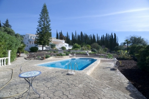 Villa_for_sale_in_Almancil_ema12954