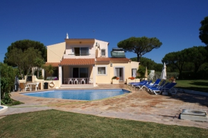 Villa_for_sale_in_Vilamoura_ema12960