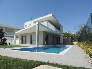 Villa_for_sale_in_Pera_sma13194