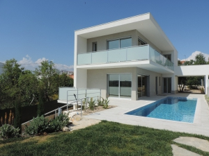 Villa_for_sale_in_Pera_sma13195