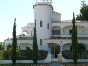 Villa for sale in Vilamoura mri1400
