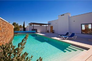 Villa_for_sale_in_Praia da Luz_LVE6257