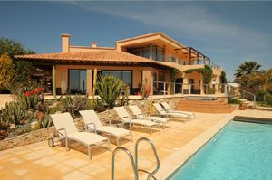 Villa_for_sale_in_Praia da Luz_LVE6259