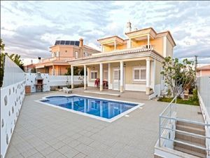 Villa_for_sale_in_Portimao_SMA6600