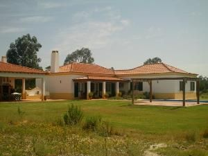 Villa_for_sale_in_Lisboa_FLO6680