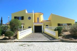 Villa_for_sale_in_Almancil_LDO6962