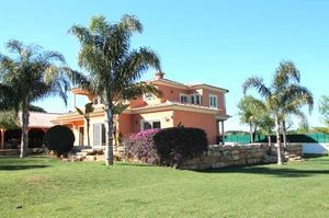 Villa_for_sale_in_Quarteira_LDO7238