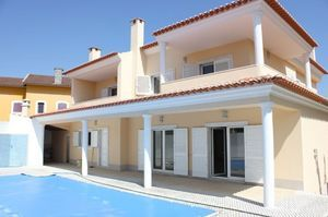 Villa_for_sale_in_Almada_FLO7279
