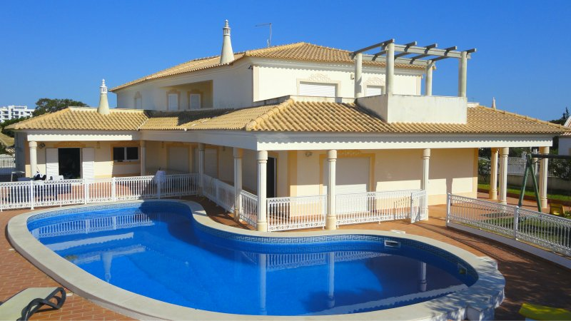 Villa_for_sale_in_Albufeira_SMA8015