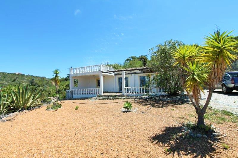 Villa_for_sale_in_Santa Barbara de Nexe_LDO8153