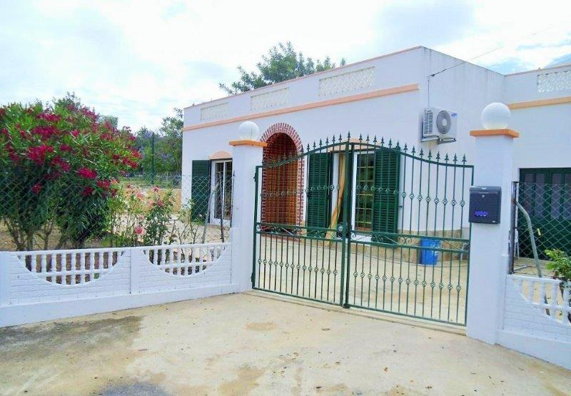 Villa_for_sale_in_Almancil_LDO8198