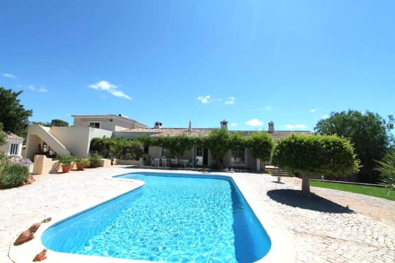 Villa for sale in Loule ldo8254