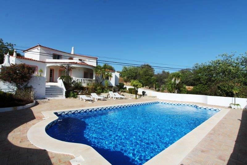 Villa_for_sale_in_Faro_LDO8311
