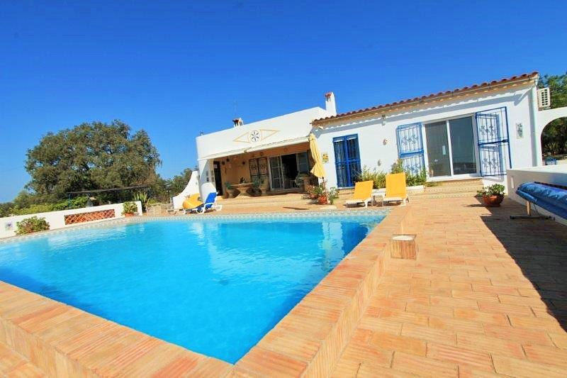 Villa_for_sale_in_Faro_LDO8332