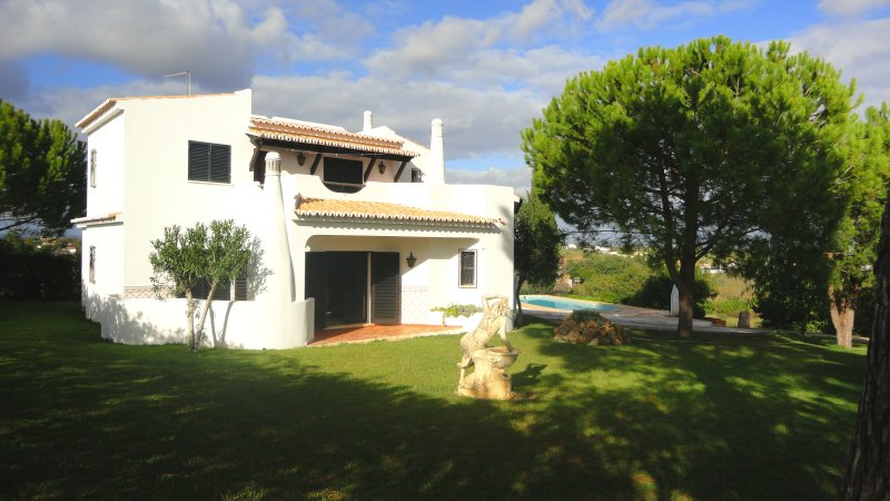 Villa_for_sale_in_Porches, Armacao de Pera_SMA8390