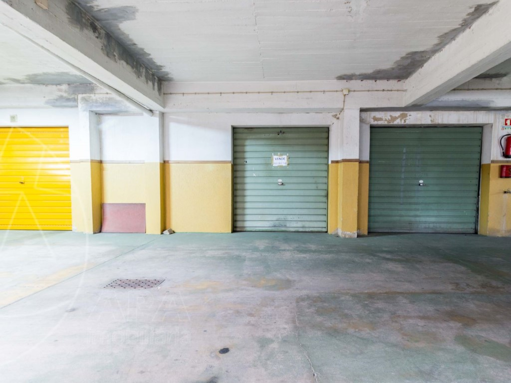 Garage_for_sale_in_Faro_sma8900