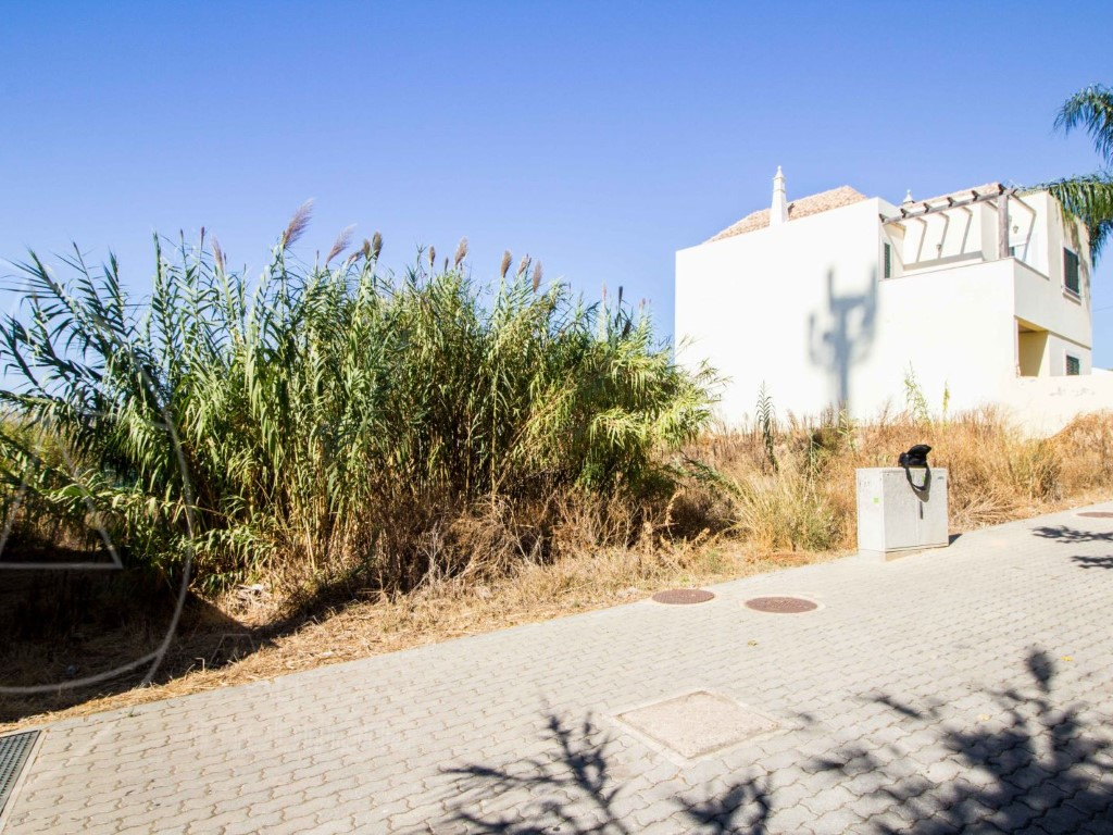 Plot_for_sale_in_Faro_sma8947